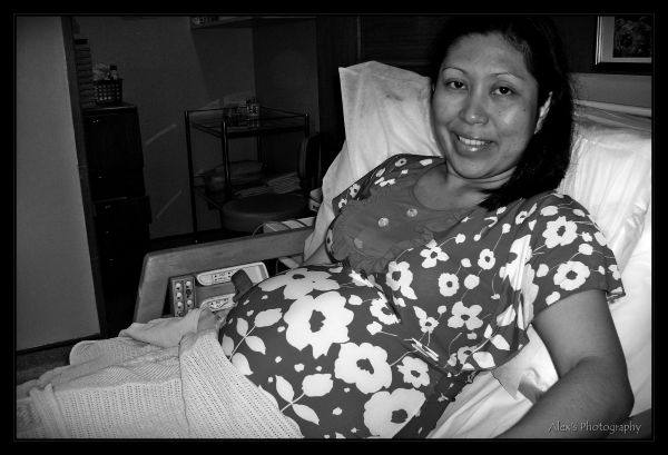 posing while in labor....
