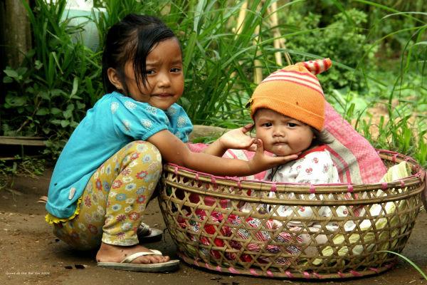 Bali : Photographie de l'enfant au panier