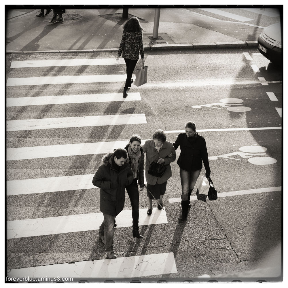 LA RUE (4) : ABBEY ROAD REVISITED ( from the High)
