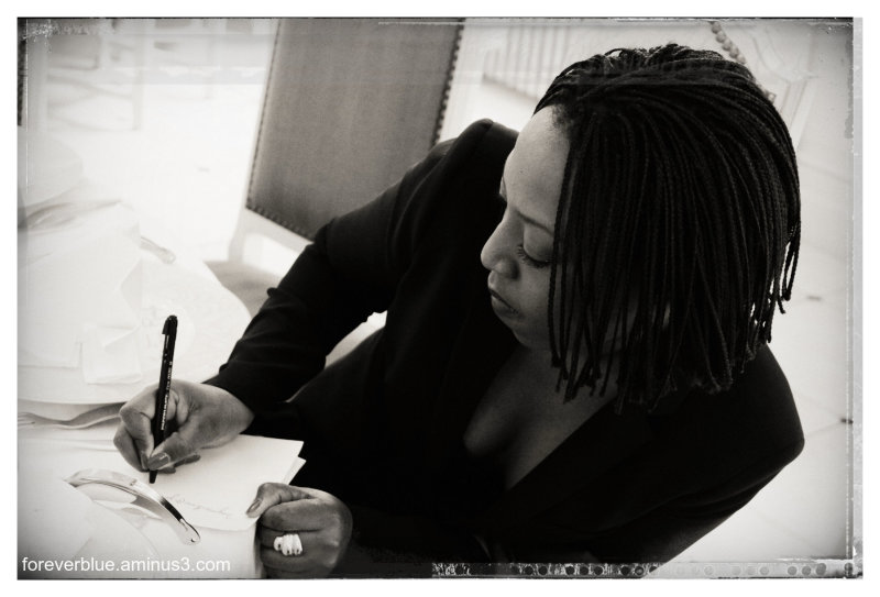 ... LADY WRITER ...