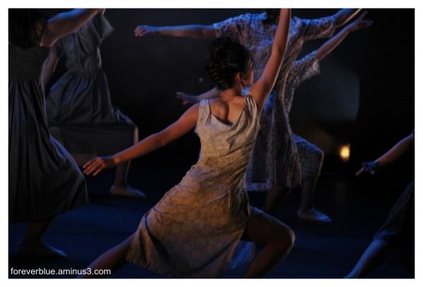 ... DANCIN ' QUEENS (6) ...
