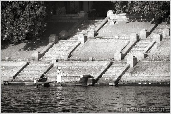 Life on the banks of Nile.../ FISHING.