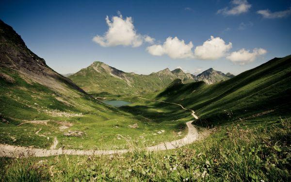 Un sentier de montagne