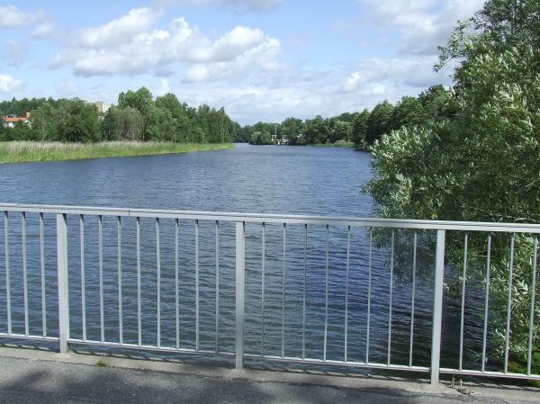 En bild på Eskilstuna ån vid Vilsta camping