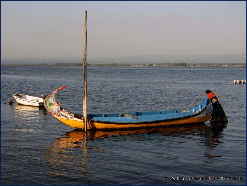 Barco Moliceiro na ria de Aveiro