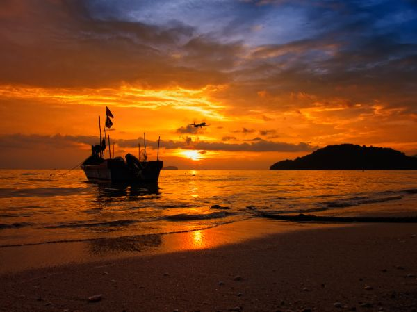 Sunset: Permatang Damar laut