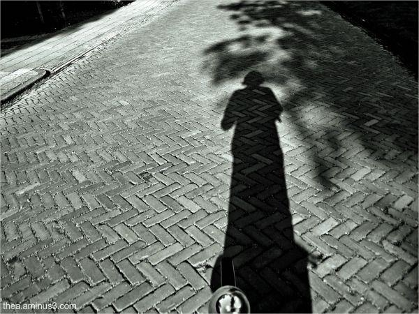 bike shadow me