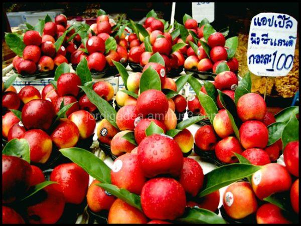 apples,thailand, market