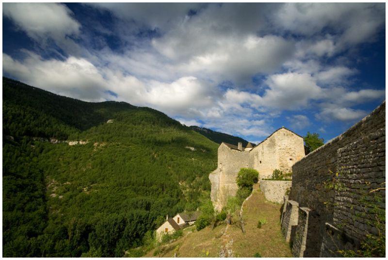 Chateau de Prades (gorges du Tarn) France