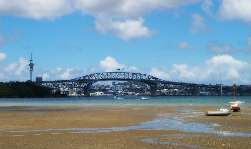 Auckland, Skytower, Harbour Bridge, Little Shoal B