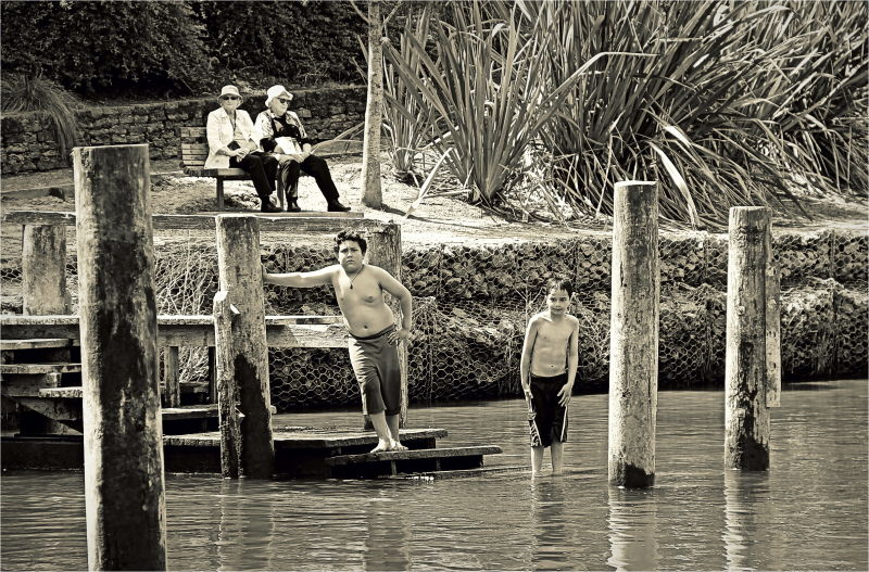 Waikato River, Boys, Swimming, Grannies, NZ