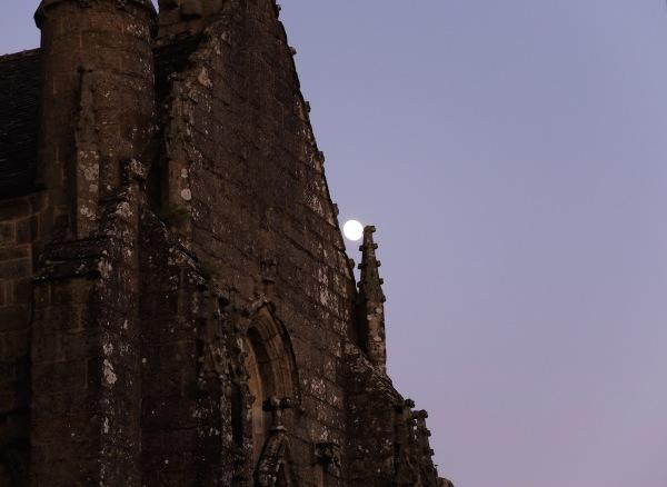 Coincer la lune