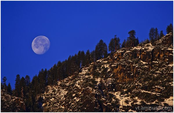 A Winter Full Moon sets at Sunrise, Yosemite, CA