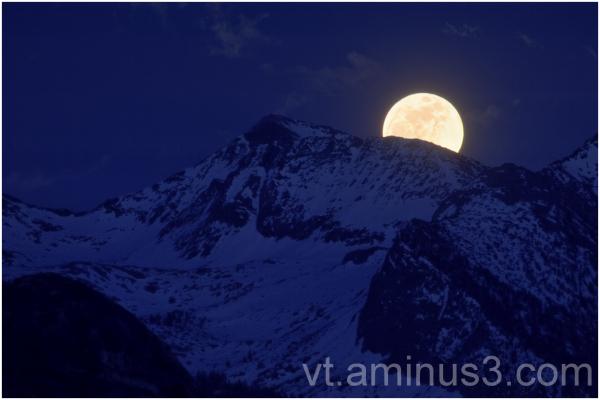 Super Moon Rise over Sierra Crest, Yosemite, CA
