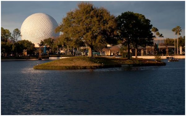 Walking through Epcot 3