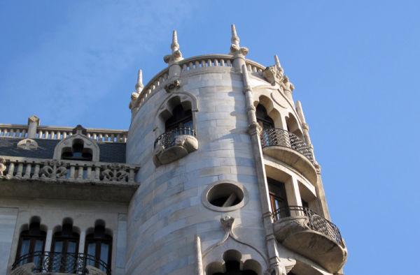 * La façana de la Casa Fuster 2