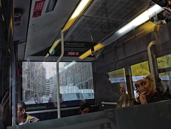 * Viatjar en bus