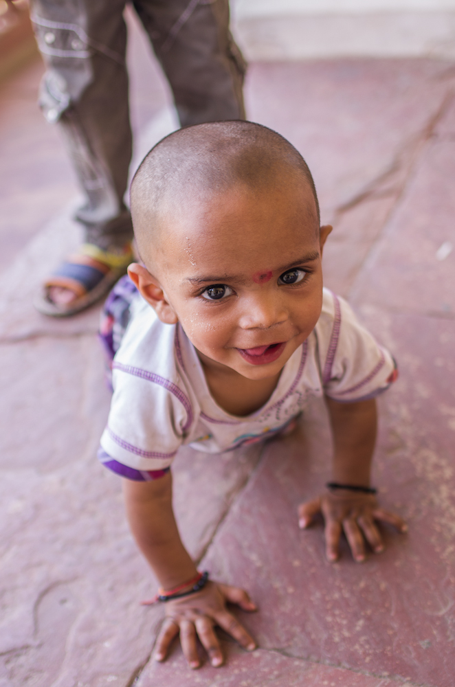 indian child in Agra