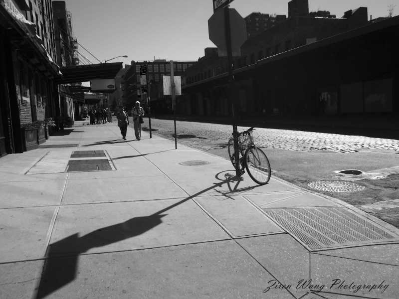 The bicycle and the sign - the High Line, New York