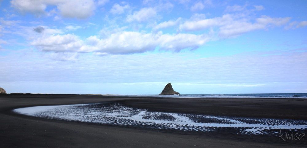 Karekare beach