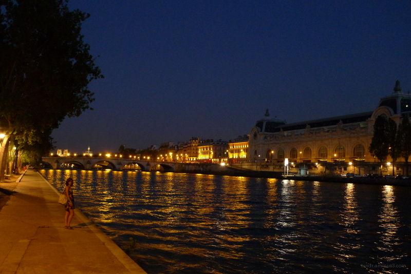 Paris by night near la seine