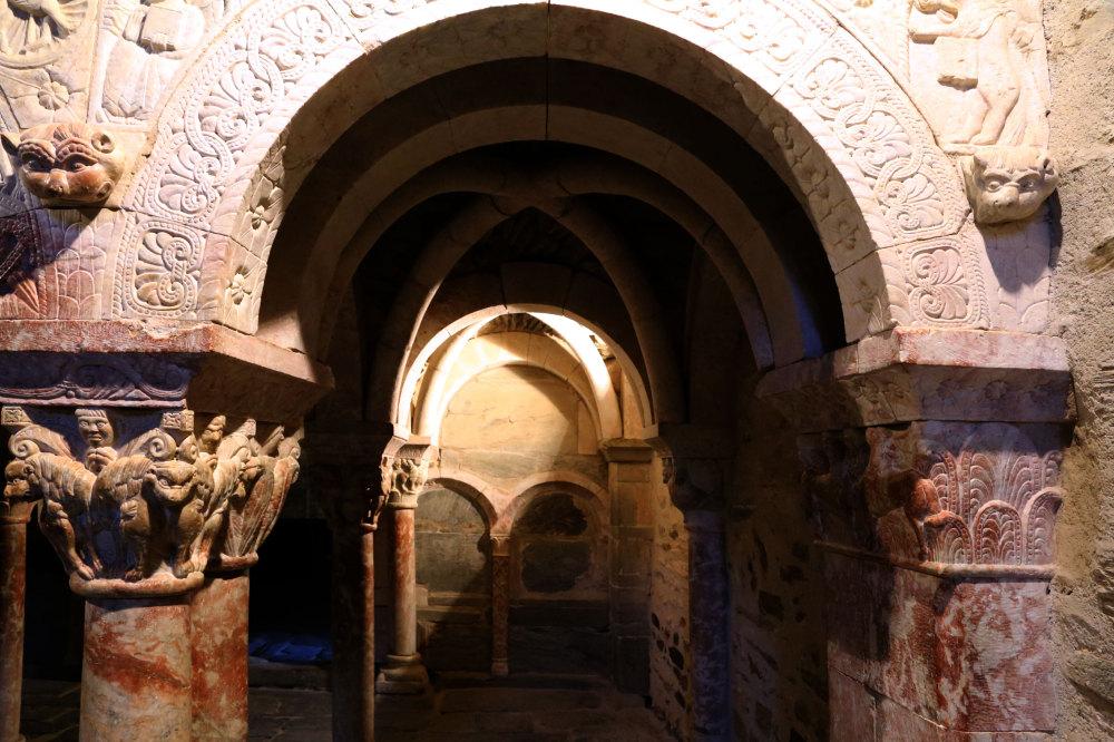La tribune du prieuré de Serrabonne