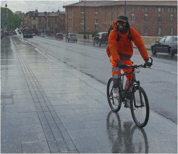 Un sourire sous la pluie