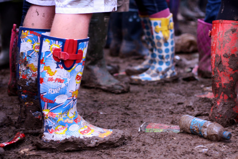 muddy wellies, 2oo9, glastonbury music festival