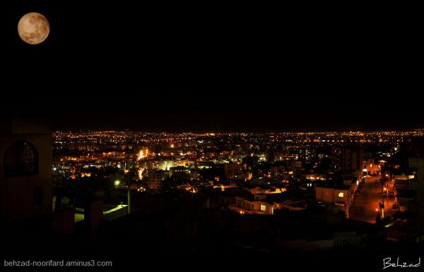 تصویر ماه در آسمان شیراز The View From Shiraz City