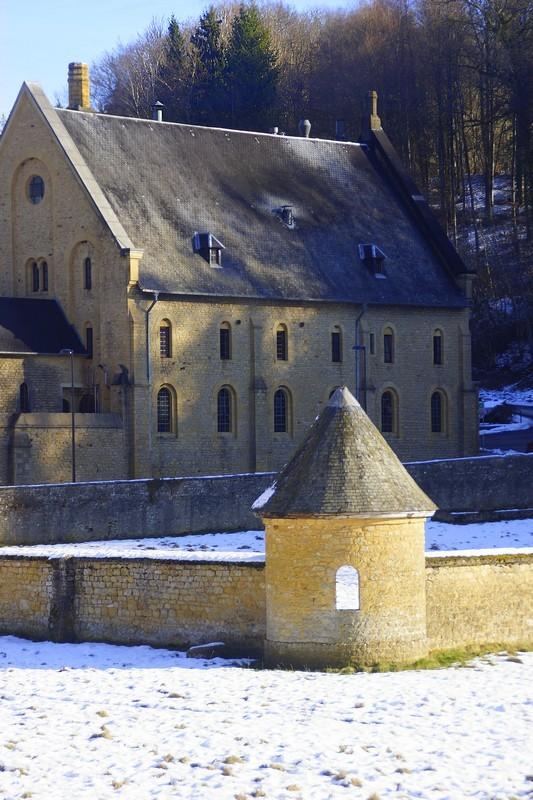 L'abbaye d'ORVAL en hiver.