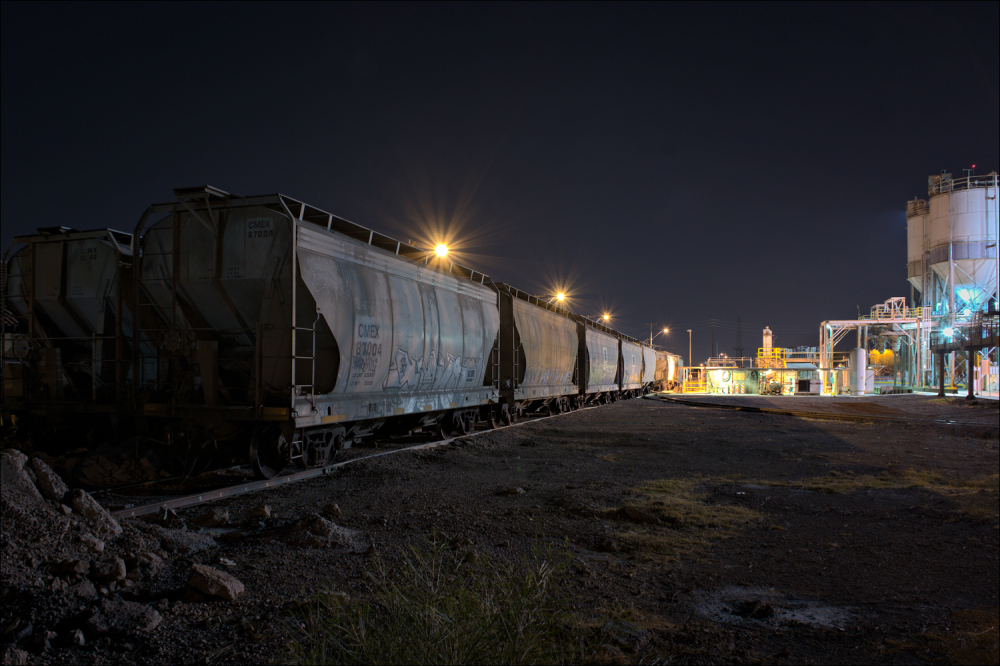 Hopper cars at the Cemex cement plant