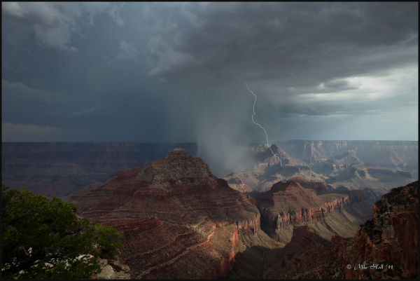 A thunderstorm passes through the Grand Canyon