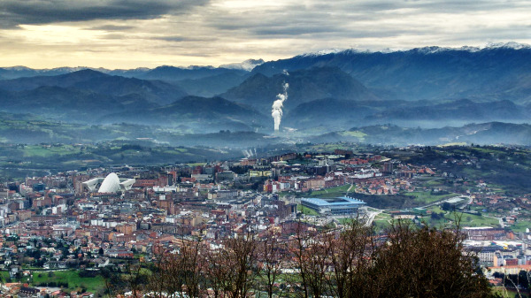 Oviedo, a city in the valley.
