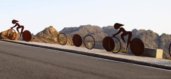 Bikers sculpture in iron