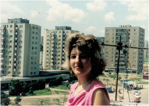 1991 07 02, Sanda on the balcony, Manastur