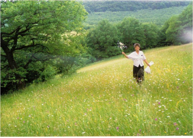 1999 06 17 My mom in a flower field