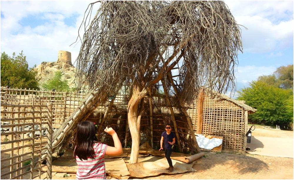 2014 01 02 Soraya & Alyssa - Trip to Hatta