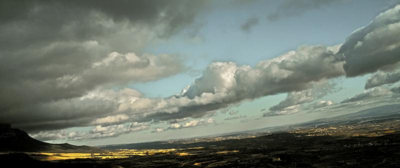 Blue sky with clouds/Zerua urdin hodei beltzekin