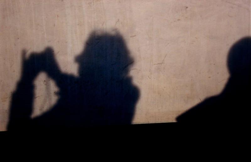 Shadow has own life/Itzalak bizi propioa dauka