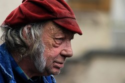 L'Homme Au Chapeau Rouge / Man With A ReD Hat