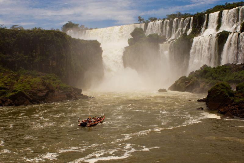 iguazu falls by boat