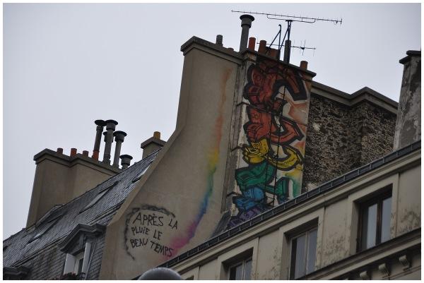 Tag sur une façade à Paris