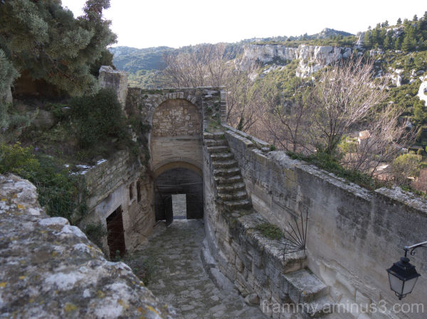autre porte d entrée des baux de provence