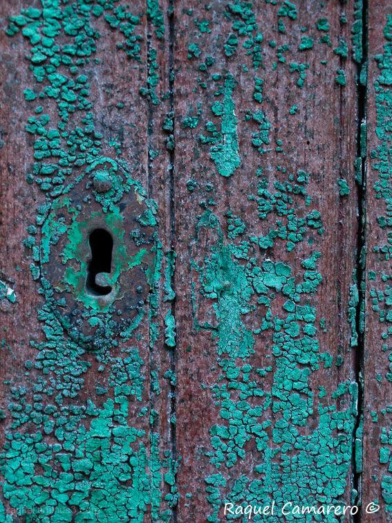 green door, puerta verde