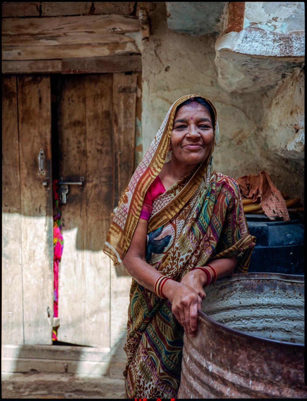 brahmin's housewife, jaisalmer, rajasthan, india