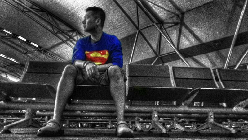 Superman, selfie, delay