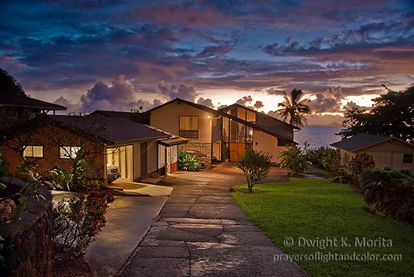 Kahaluu residence in twilight before sunrise