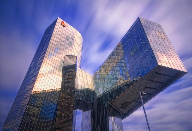 barcelona, edifici gas natural