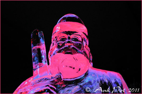 icesculpture of Leif Erikson