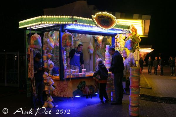 At the funfair/Op de kermis 2/2